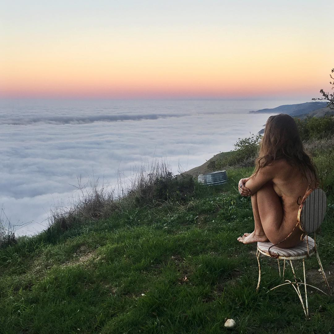 Авантюрный Instagram голой хиппи