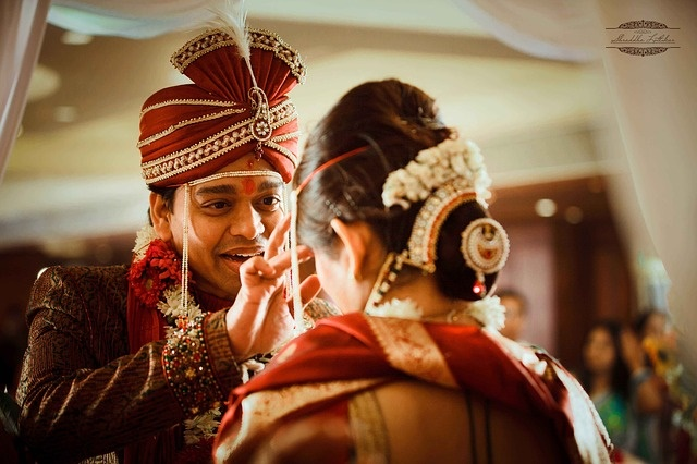 Индийский свадебный обычай (фото)