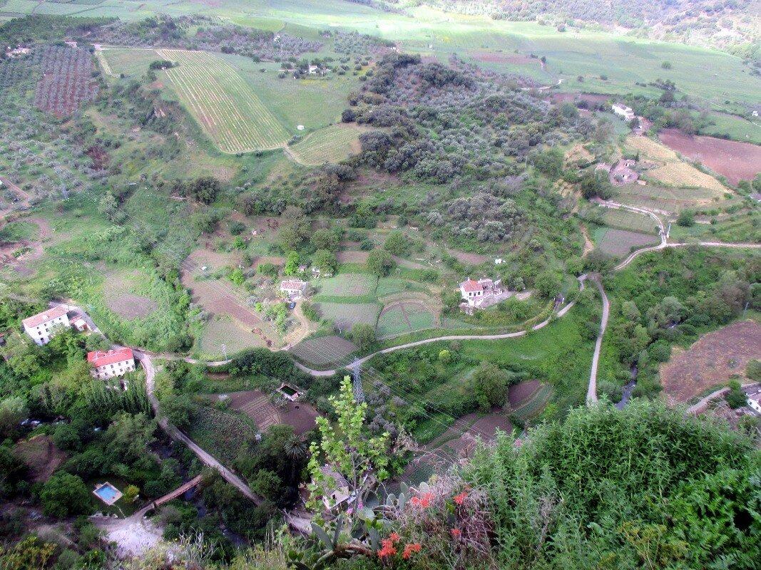 Ронда. Вид на долину Тахо-дель-Ронда из парка Аламеда