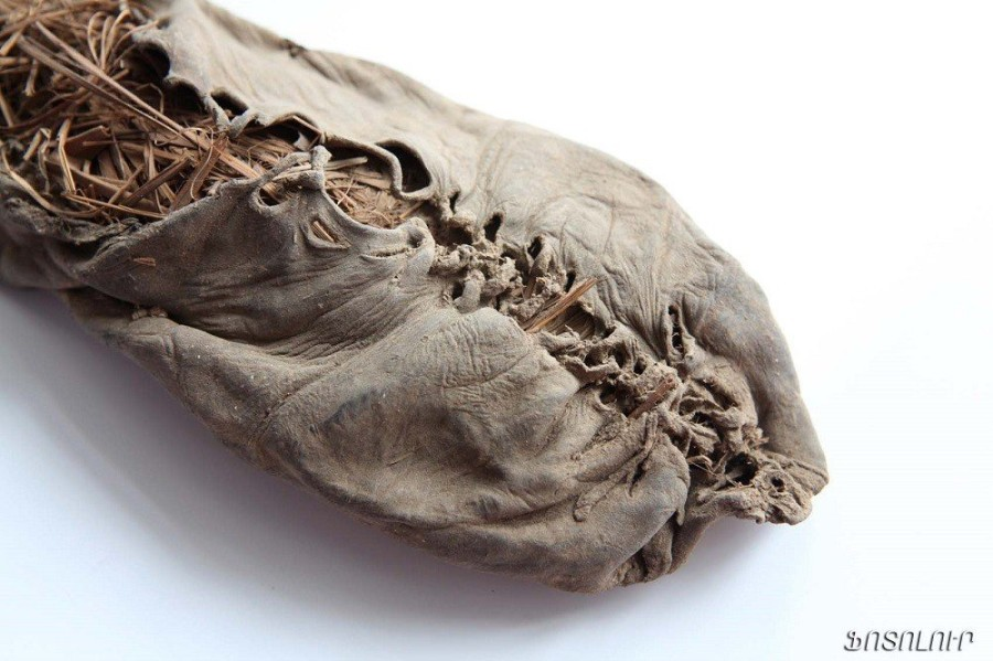 5. Самый старый башмак В 2010 году в пещере в Армении был обнаружен этот 5500-летний башмак. Сделанн