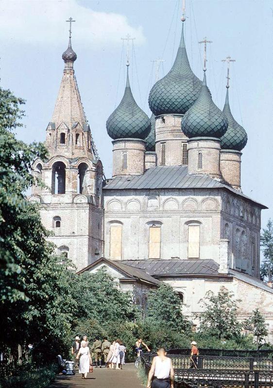 Стена Спасо-Преображенского монастыря - сердце города, 1958: