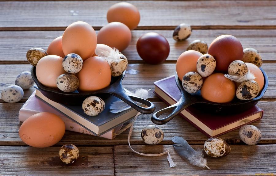 8. Употребление яиц может привести к повышению уровня вредного холестерина в крови и развитию атерос