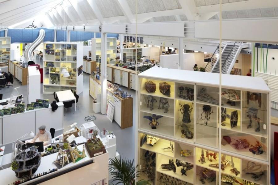 4. Не менее уникальным и авангардным является офис компании LEGO в Биллунд, в Дании. Для улучшения т