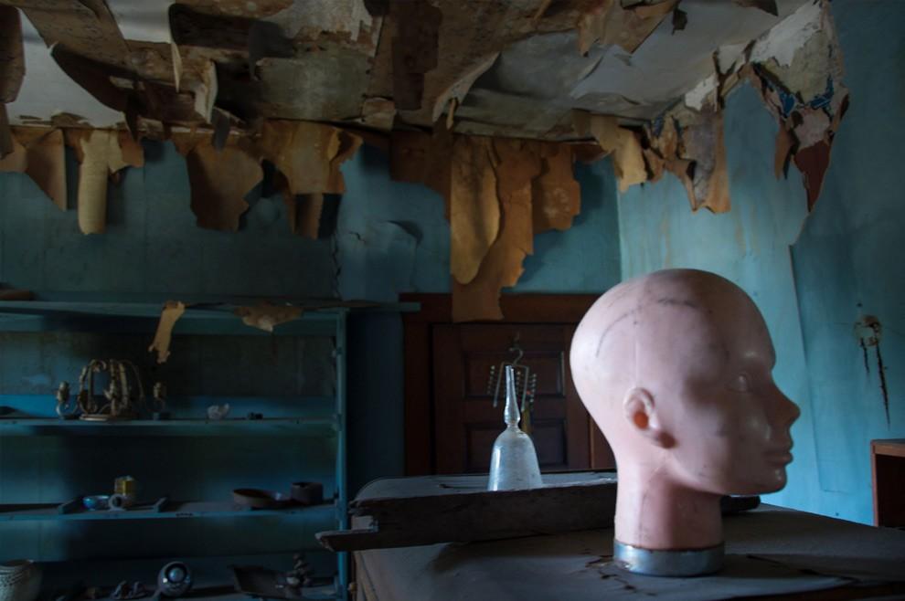 7. «Кукольный дом» из Филадельфии получил свое название за очень странный интерьер. В нем нет мебели