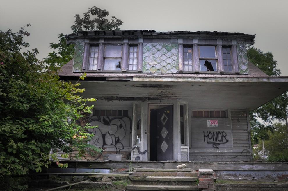 9. В этом доме жил серийный убийца Майкл Мэдисон, который использовал подвал как место расправы над