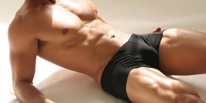 Мужская кожа намного толще женской, поэтому, чтобы он почувствовал страсть и желание, прикасатьс
