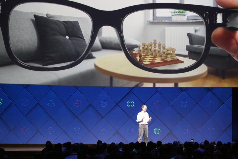 Очки «дополненной реальности» поменяют мобильные телефоны в 2022-ом — работник фейсбук