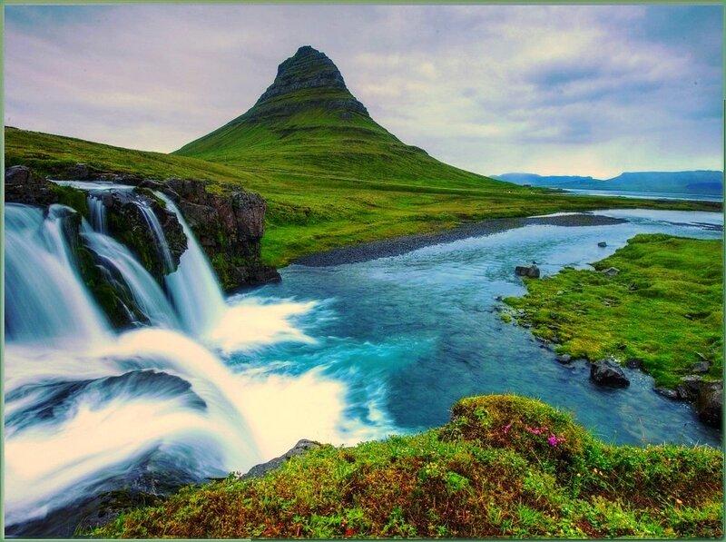 На реке в Исландии.jpg
