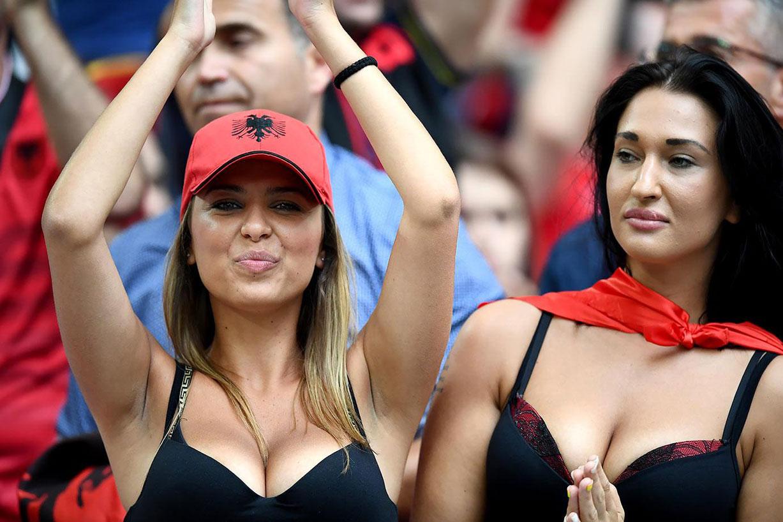 Болельщики и болельщицы на Чемпионате Европы по футболу / Euro 2016 fans