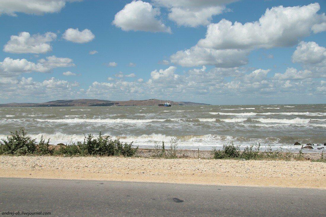 Вид на Азовское море с косы Чушка