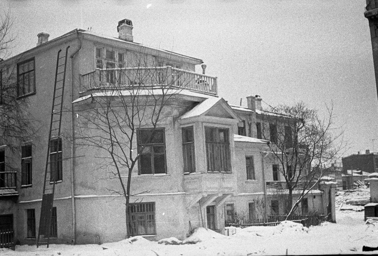 1963. Композиторская улица, д.9.