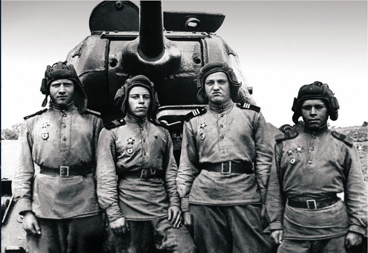 Граница. Экипаж танка 3—го танкового батальона 63-й гвардейской Челябинской танковой бригады