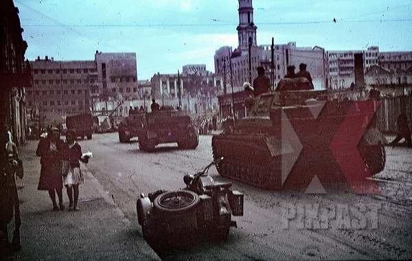 stock-photo-panzer-on-poltavskiy-shaikh-in-kharkov-ukraine-1943-9295.jpg