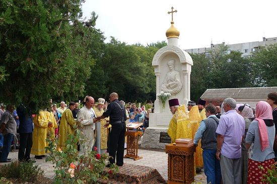 20160919- В Керчи установлен памятник барону Врангелю