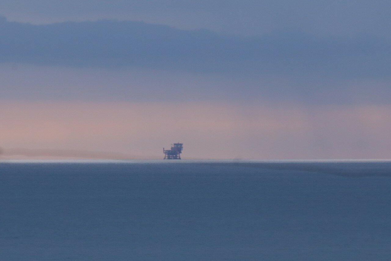 Нефтепромыслы в заливе Джела