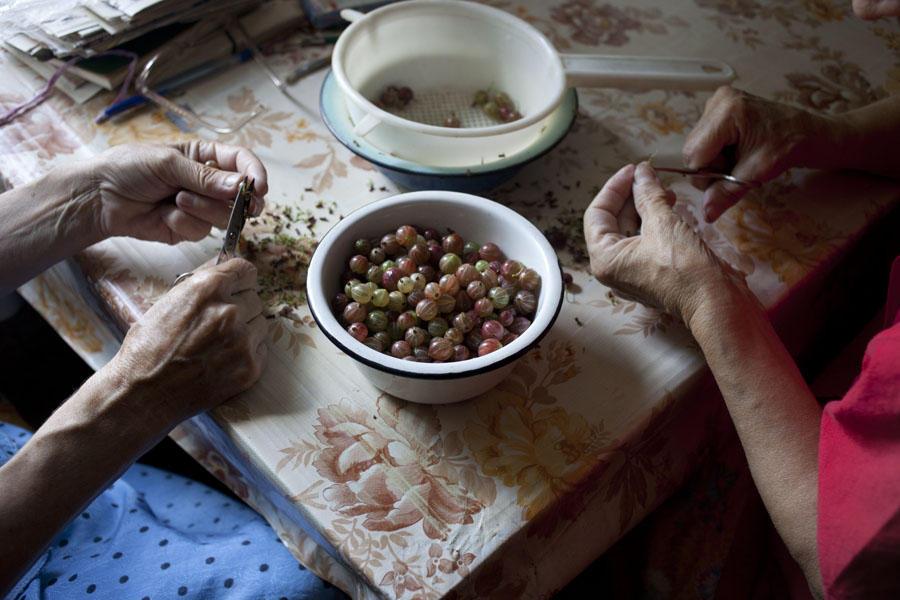 А вот что Надя рассказывает о своей семье: «В 1952 году мой дед начал терять зрение в результате ран
