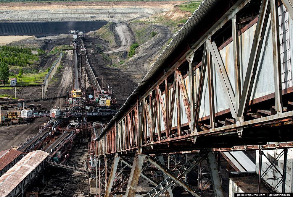 33. Длина магистрального конвейера от разреза до ГРЭС составляет 15 км.