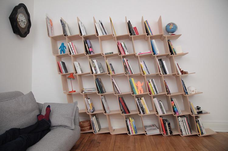 Креативные книжные шкафы, которые добавят изюминку в скучный интерьер