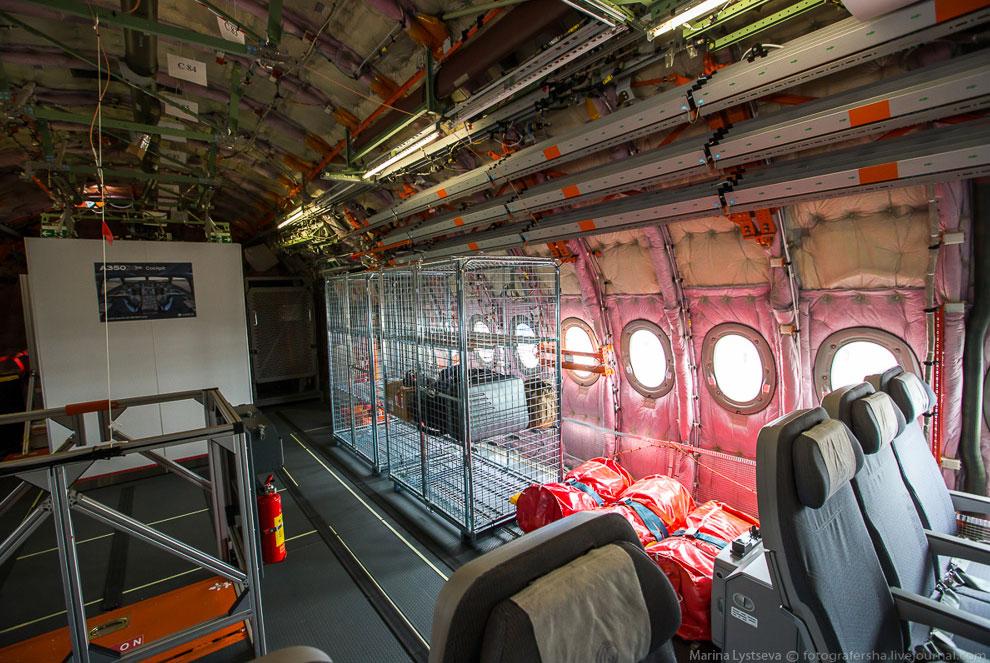 Самолеты способны выполнять беспосадочные полеты на расстояния до 15 700 км.