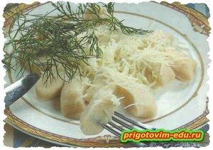 Галушки картофельные с сыром