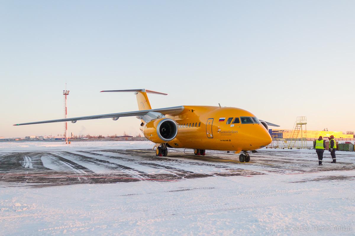 Ан-148 Саратовские авиалинии RA-61705 фото 2