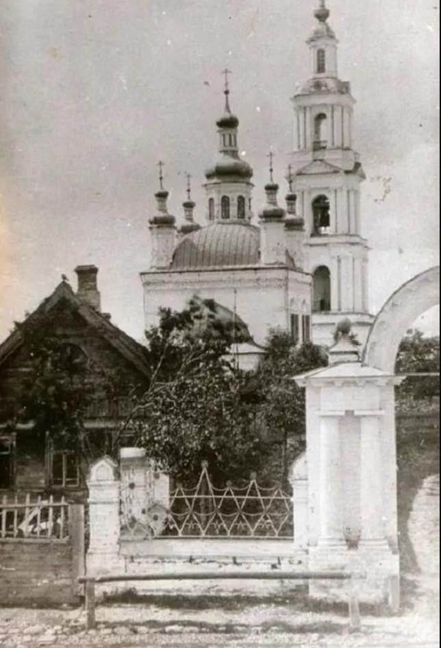 Введенский собор бывшего Свято-Введенского девичьего монастыря