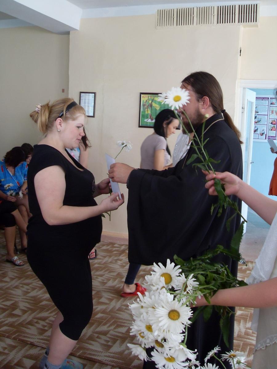Православный праздник «День семьи» в роддоме г. Алчевска 08.07.2011г
