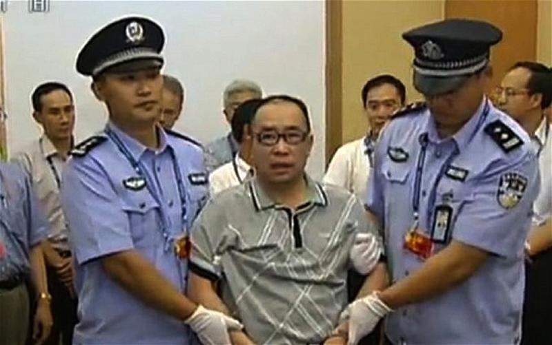 7. Лай Чансин был одним из наиболее крупных бизнесменов Китая, но подался в бега после того, как кит