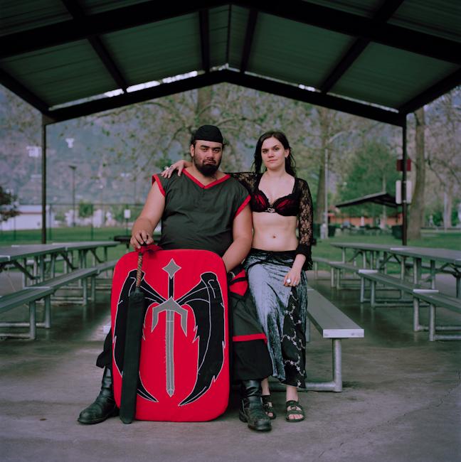 10. Супруги Нашова (Брюс, слева) и Сирена (Монет, справа) в Пионер-парке в Прово, штат Юта.
