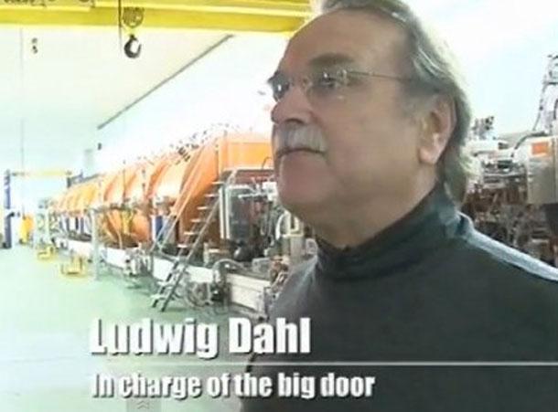 Людвиг Даль, ответственный за большую дверь.