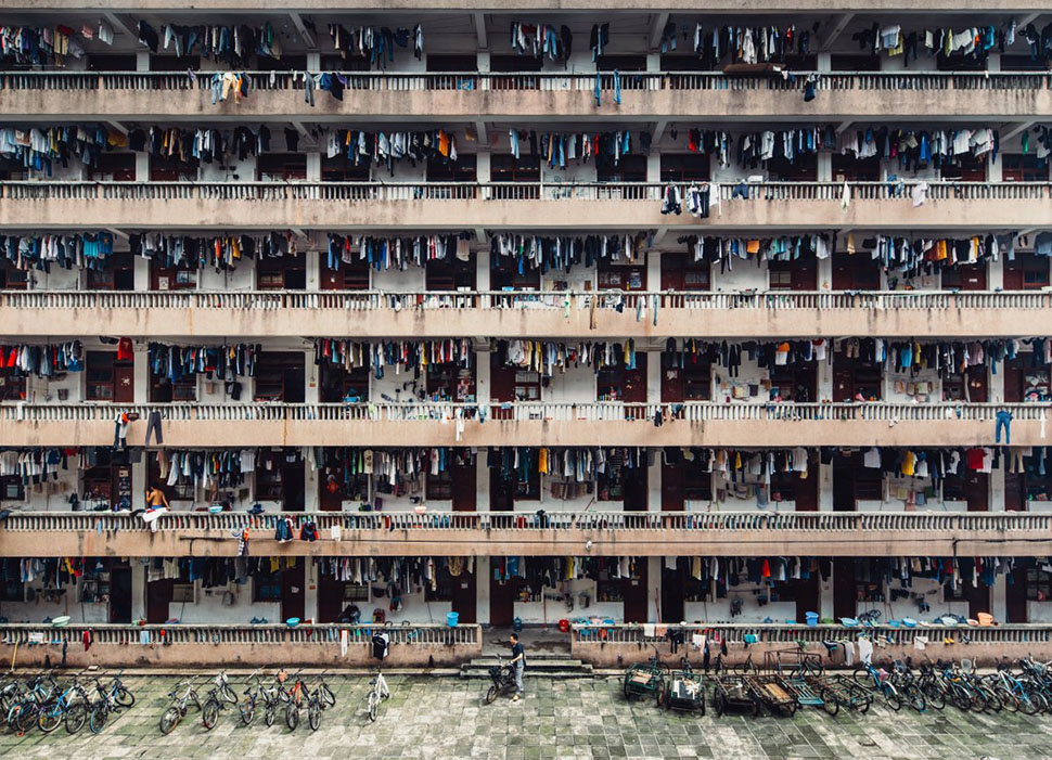 Вин Ка Хэ, «Усмиренные» (Silenced) —второе место в категории «Города». Фотография сделана в китайск