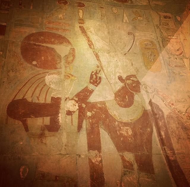 1. Долина Царей славится тем, что здесь покоится множество фараонов. Здесь существует запрет на фото