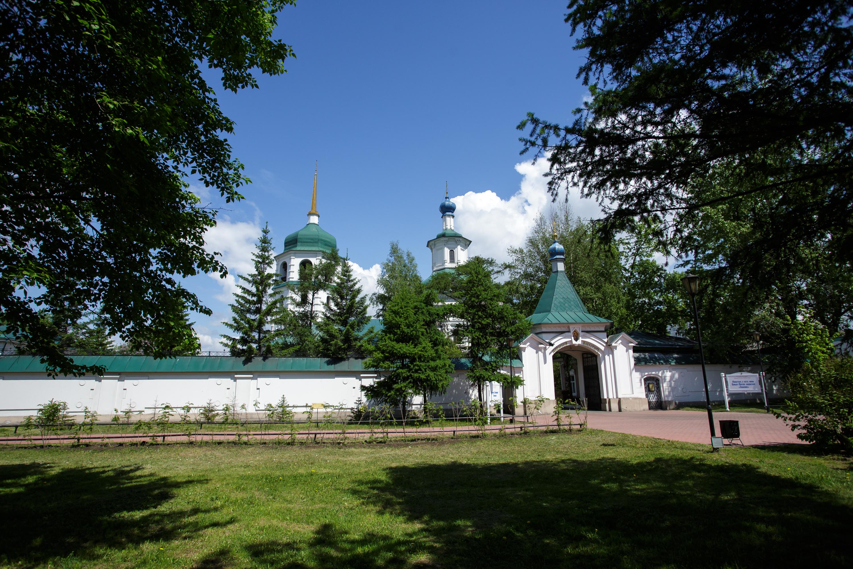 Знаменский монастырь фото