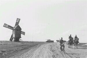 Шоссе и ветряная мельница