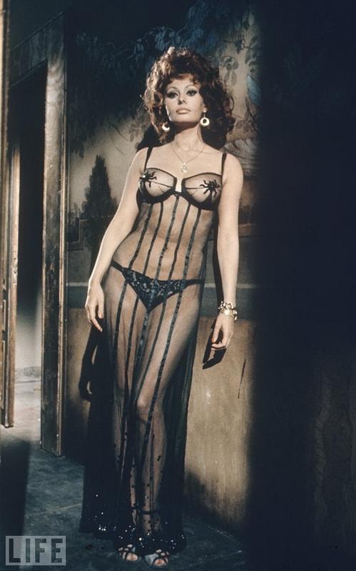 1966 Софи Лорен в фильме Брак по-итальянски by Alfred Eisenstaedt.jpg