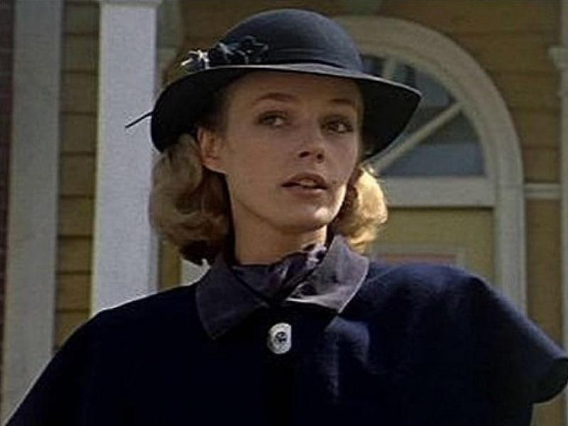 В молодости актриса славилась своей красотой, но с возрастом ее внешность стала меняться. Скорее все