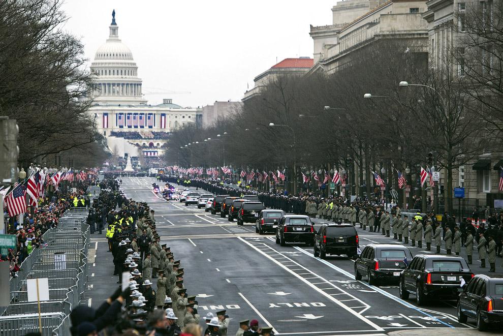 7. В то время как сторонники Трампа стекались в Вашингтон, чтобы порадоваться за нового президе