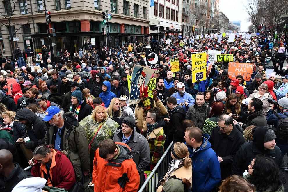 8. В Вашингтоне правоохранители задержали 217 человек за беспорядки… (Фото Jose Luis Magana):