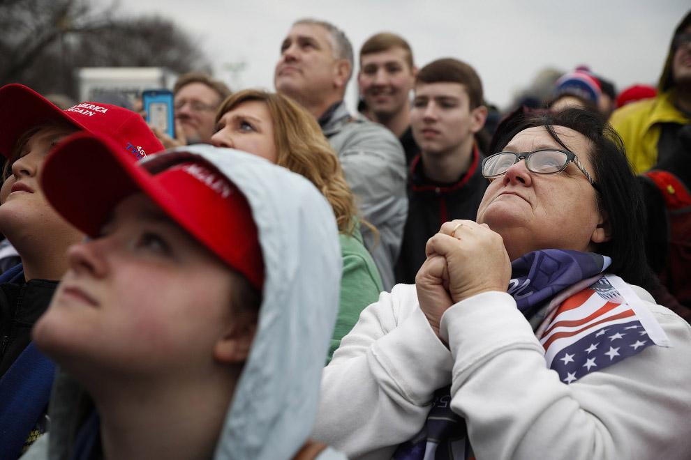 27. Пользователи соцсетей активно обсуждают «сражение» экс-президента США Джорджа Буша-младшего