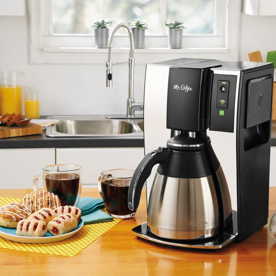 1. Кофеварка со встроенным Wi-Fi Иногда запах свежесваренного кофе — это единственное, что заставит