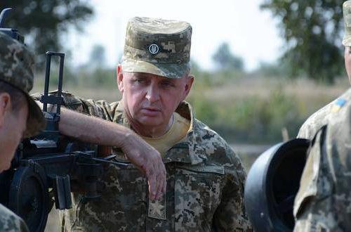Муженко призвал военных реагировать наклевету против армии
