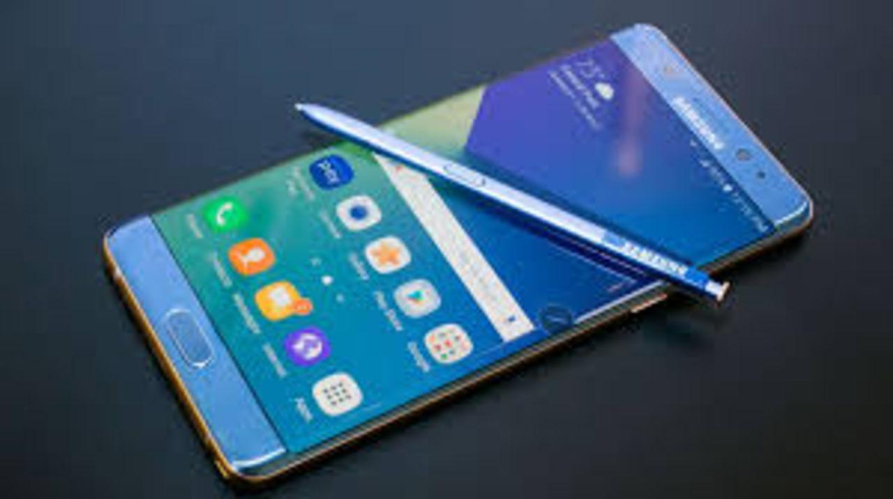 Мобильные телефоны Самсунг воспламеняются из-за неправильного размера батареи