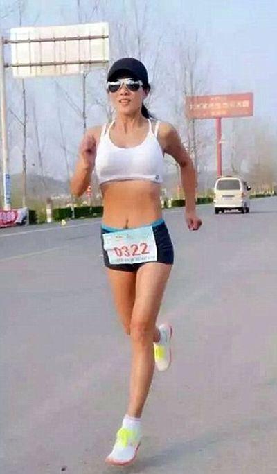 50-и летняя китаянка