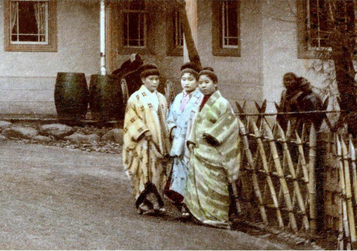 Сотрудницы борделя Некторин No.9 в Канагаве