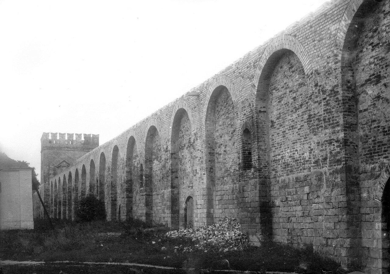 Восстановленная крепостная стена около Гуркиной башни. 1912