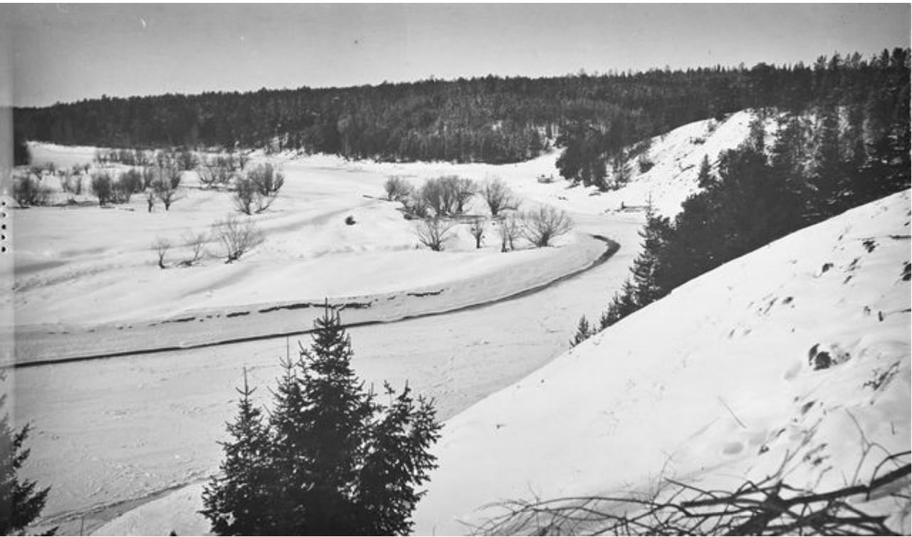 Вид замершей реки из села Маковское