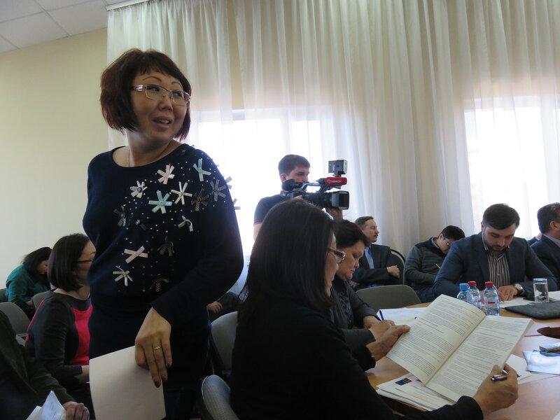 Наталья Тумуреева на слушаниях в Улан-Удэ