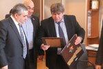 Глава города Бердска Евгений Шестернин поблагодарил представителей армянской автономии за помощь в организации и проведении юбилея города Бердска