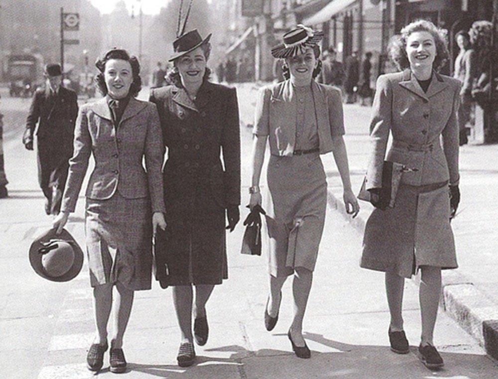 16. Доминирующей тенденцией моды начала 40-х годов стали многослойные длинные юбки, огромные банты н