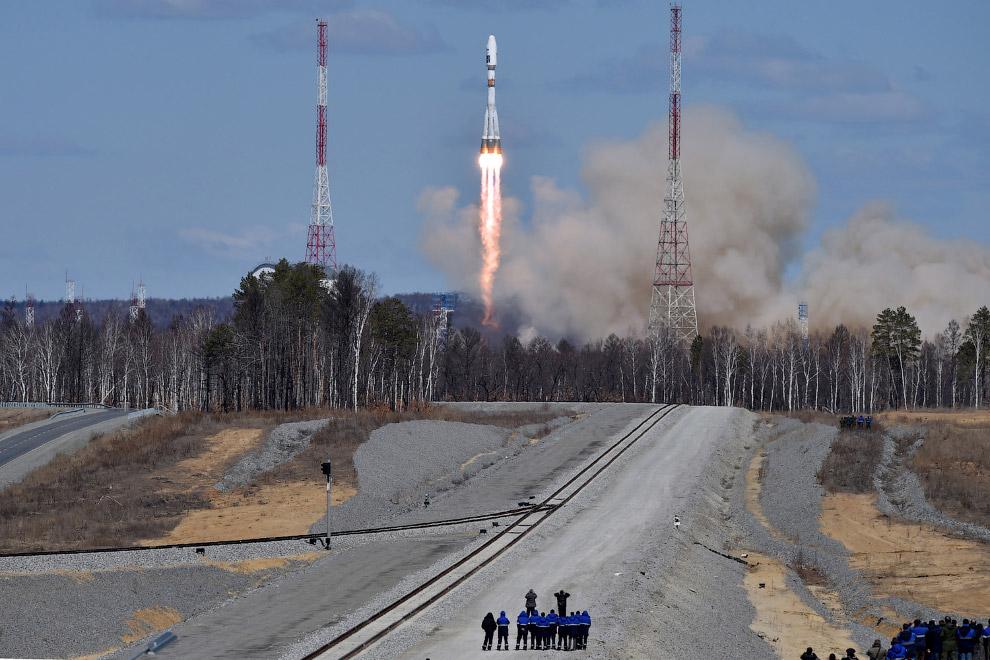 13. В рамках первого этапа «Лунной программы» с космодрома Восточный будут запущены аппараты к